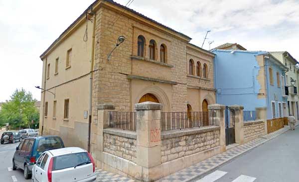 Las entidades alojadas en el asilo de Biar tendrán que irse ante el mal estado del edificio