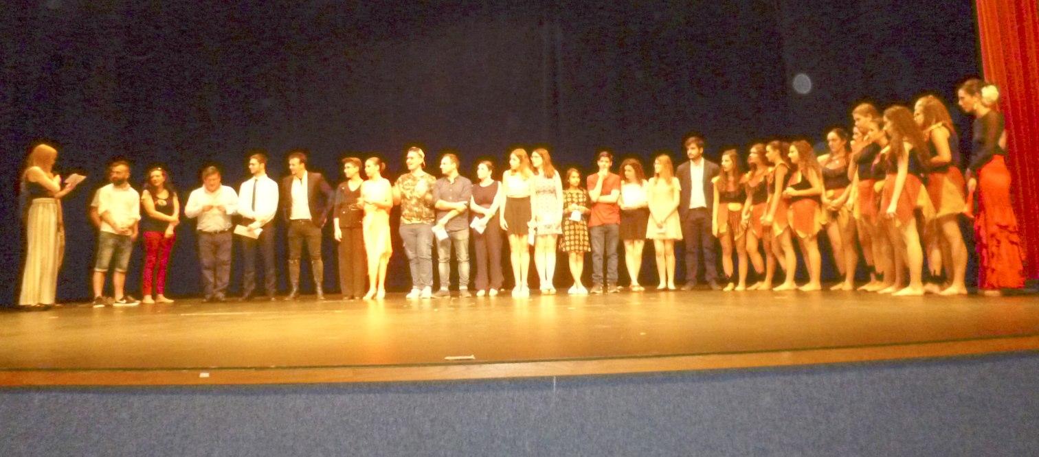 La iberuda Lucía Martos guanya el primer concurs de talents d'Onil