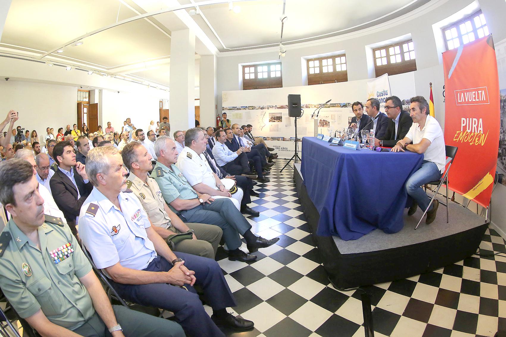 La provincia de Alicante acogerá la salida de la Vuelta Ciclista a España dentro de dos años