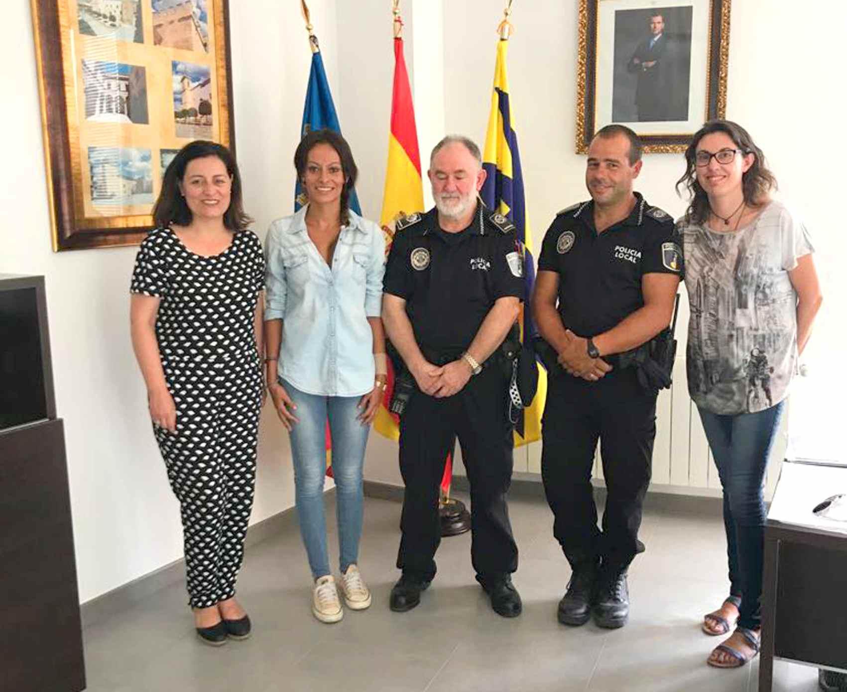 La alcaldesa de Onil anuncia dos procesos de selección para la Policía Local