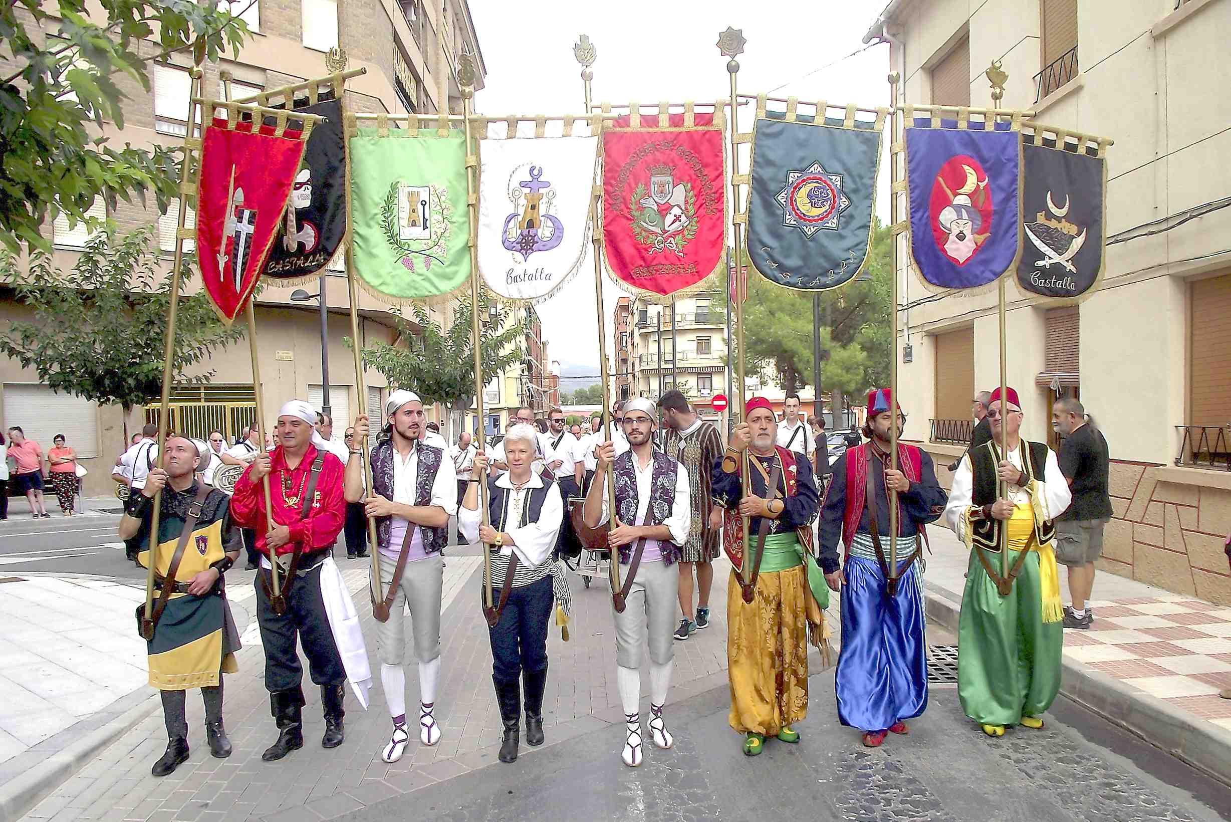 Cada fester de Castalla ha gaudit estes festes de quatre quilos de pólvora per als actes d'arcabusseria