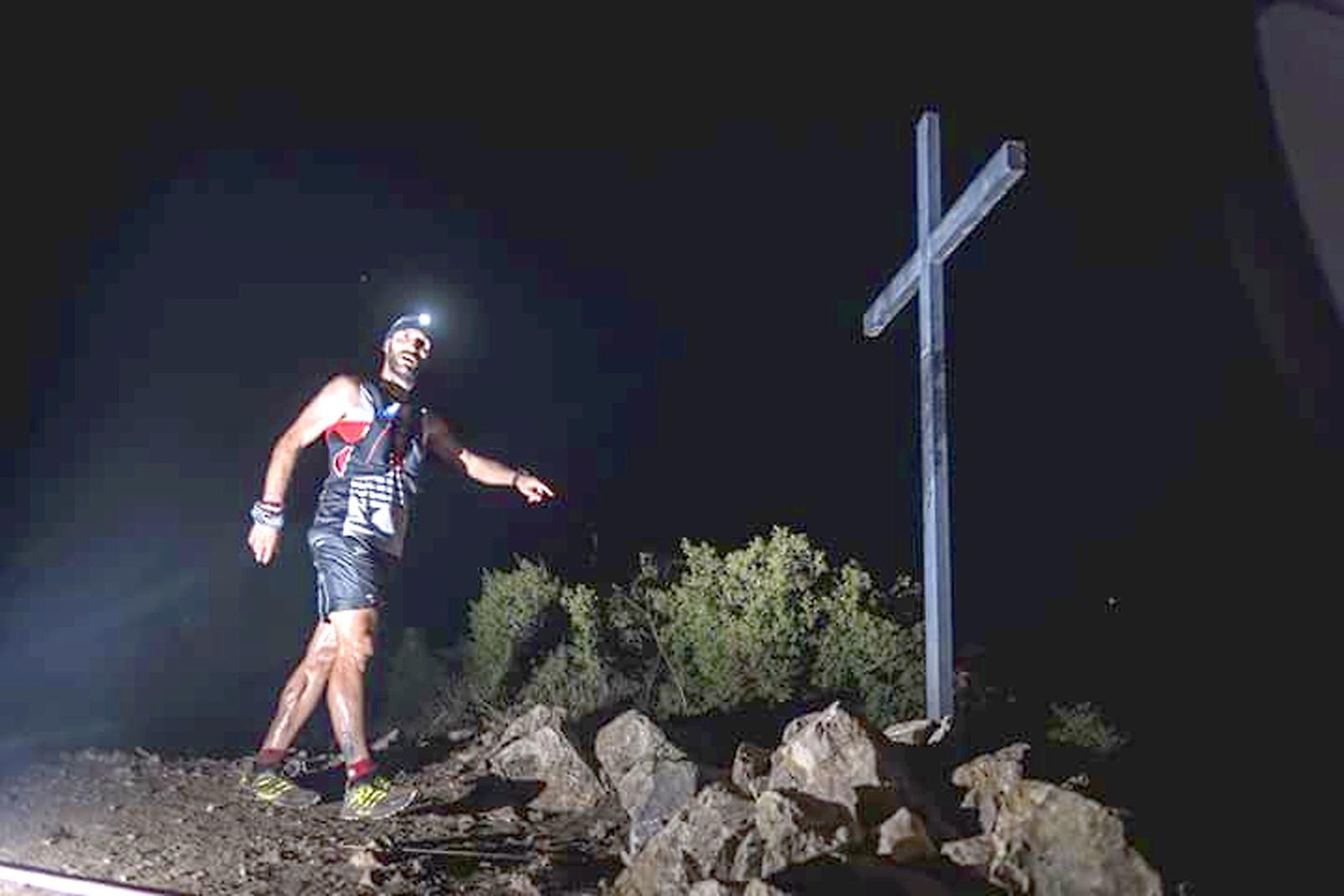 El atleta de Castalla José Antonio Luna gana el maratón nocturno 'Camins de Cabres'