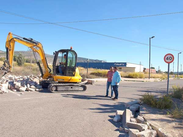 Comienzan las obras para modernizar los polígonos industriales de Ibi con una inversión de 3 millones de euros