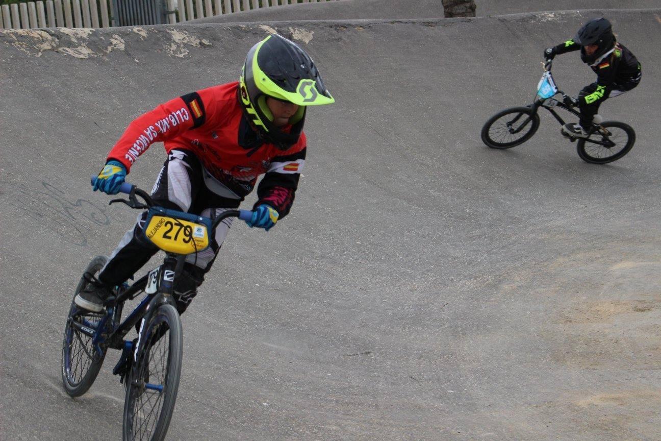 El 'rider' ibense Alejandro Verdú logra la segunda posición en la final del torneo de BMX de la Comunidad Valenciana