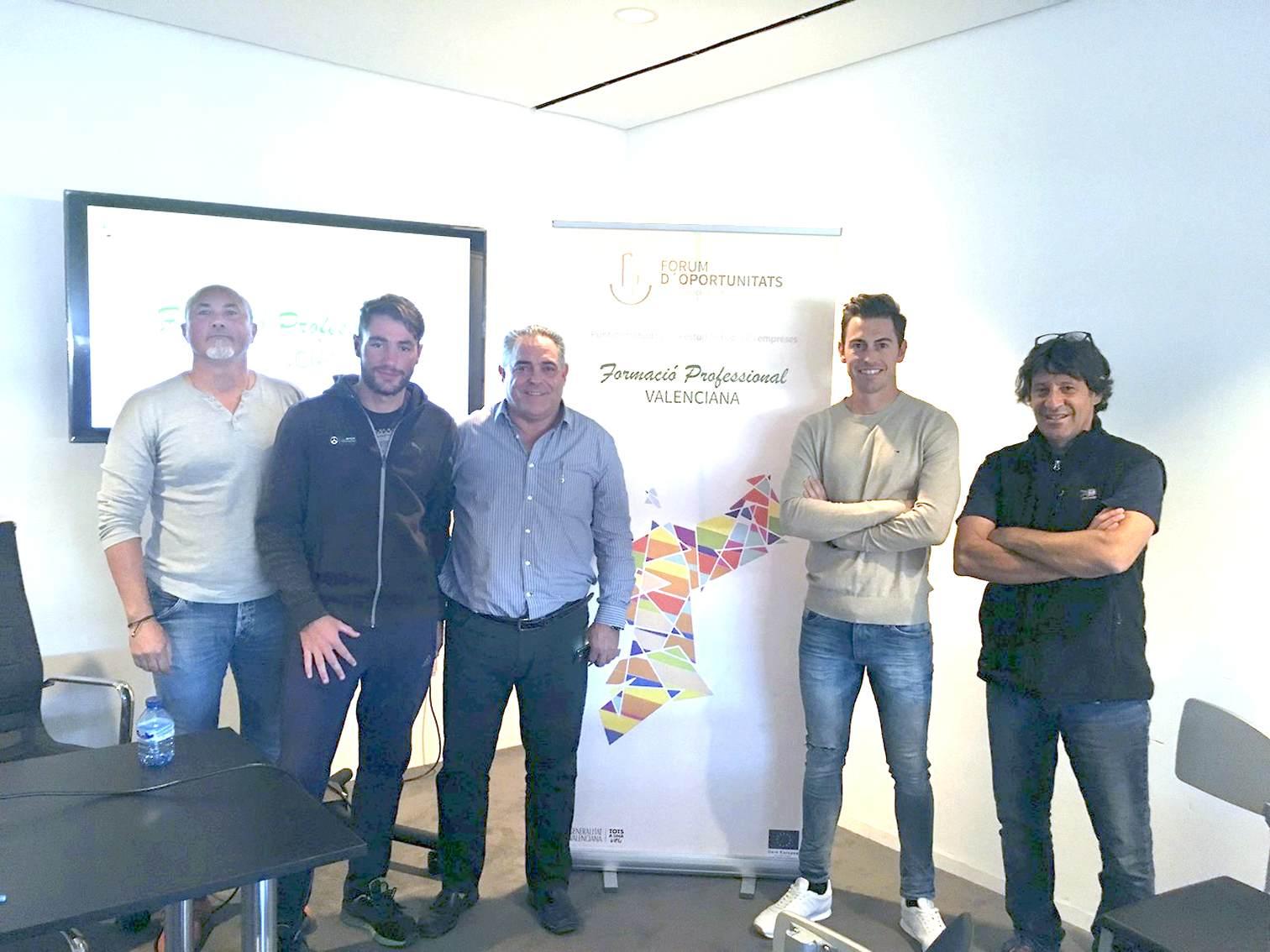 El Club de Tenis Teixereta y el Instituto de Secundaria La Creueta de Onil participan en un evento sobre la FP en la Comunidad Valenciana
