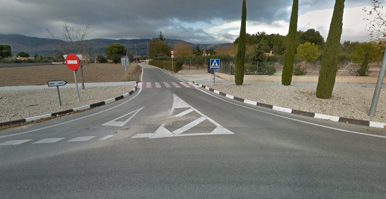 Un accidente de tráfico en el Camí dels Molins (Onil) durante la madrugada del domingo se salda con dos jóvenes heridos