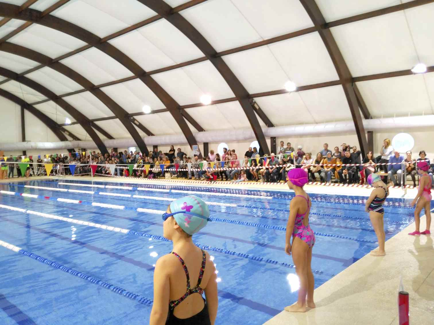 La piscina de Castalla acoge la primera jornada de la Liga Intercomarcal de Natación Ibi-Castalla-Alcoy