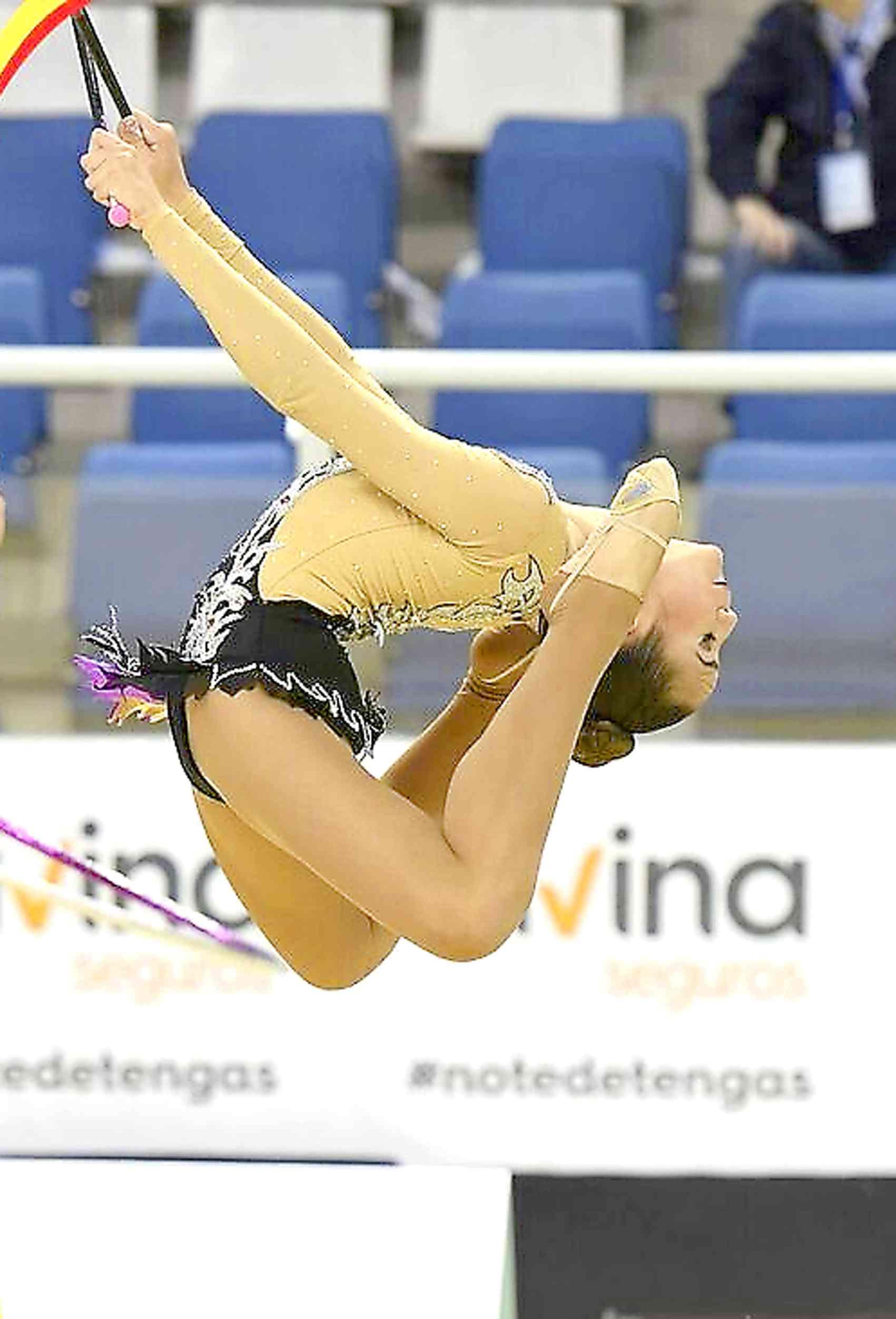 La gimnasta iberuda Carla Valero, tercera en el Campionat Nacional Base