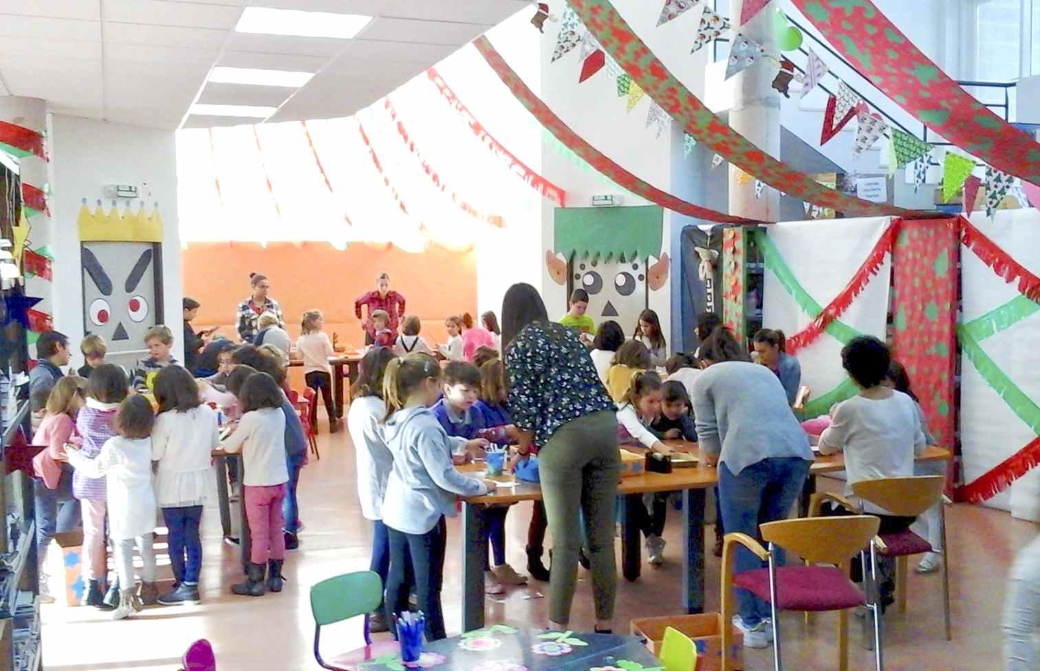 La Biblioteca Pública de Onil ofrece un amplio abanico de actividades infantiles para Navidad y Reyes