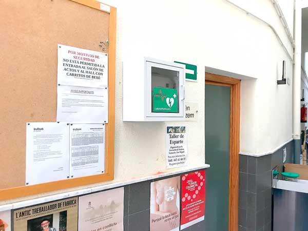 El Ayuntamiento de Ibi instala desfibriladores en edificios públicos