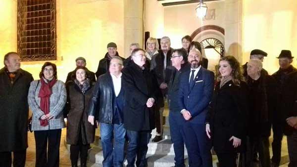 Ximo Puig asiste a la Cavalcada del Rei Pàixaro en Biar