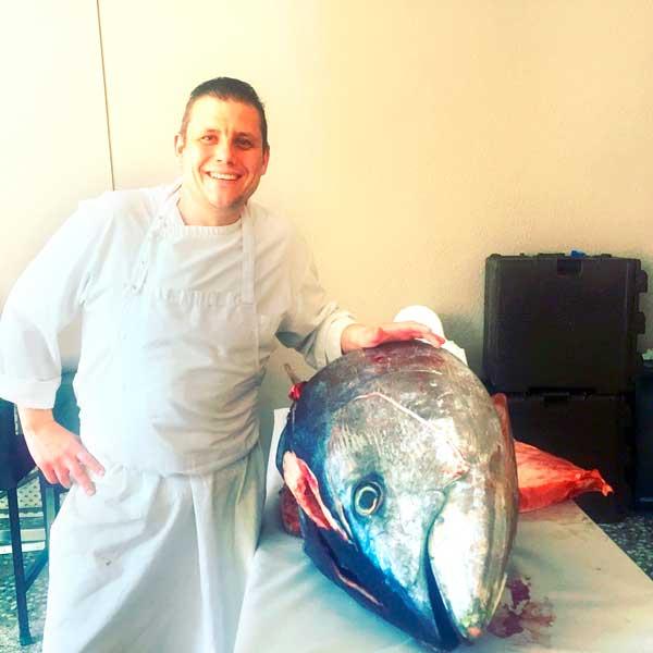 Uno de los primeros atunes de Barbate llega a Ibi