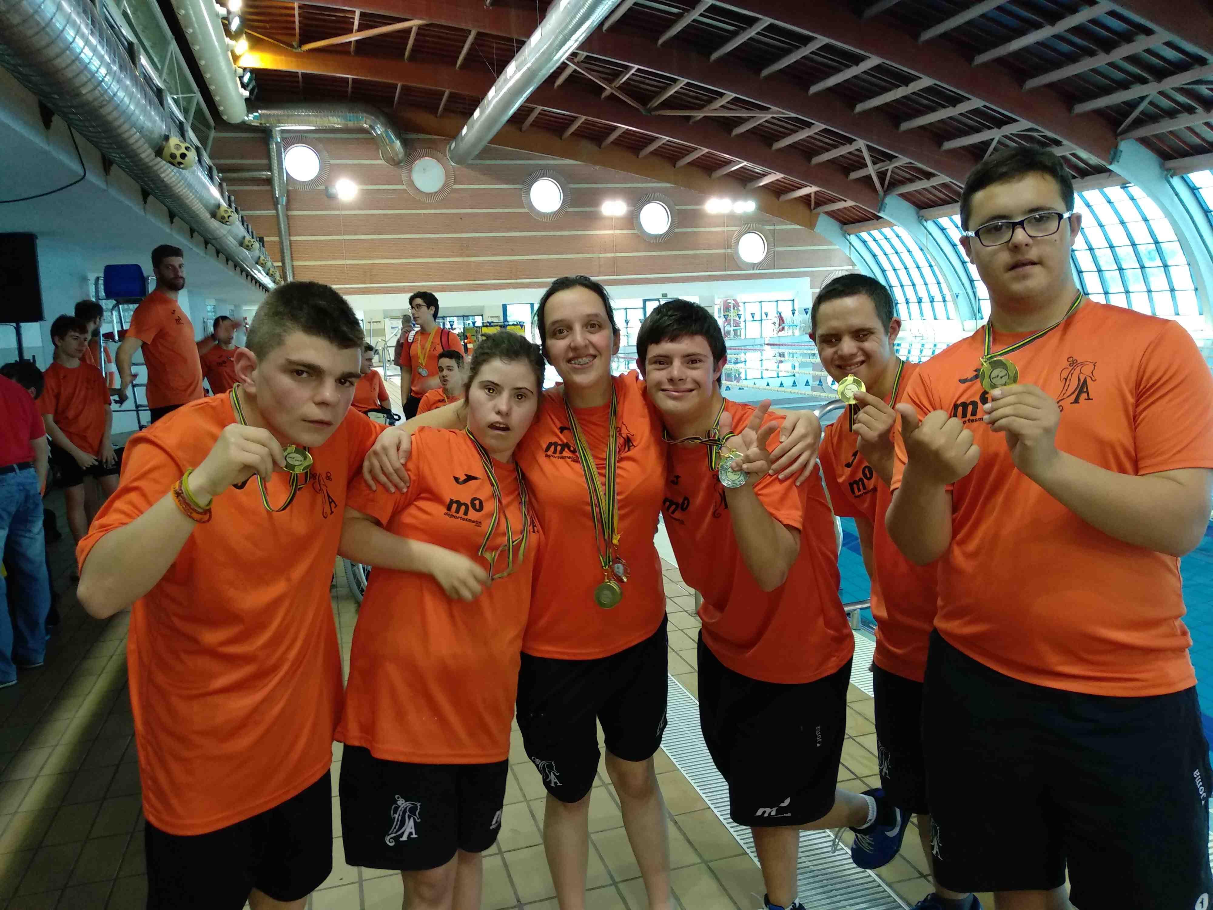 Macarena Esteve, de Castalla, logra la medalla de plata a nivel autonómico en 50 metros libres