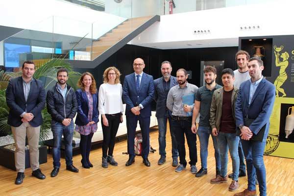Estudiantes de la UA visitan Ibi para conocer su tejido empresarial