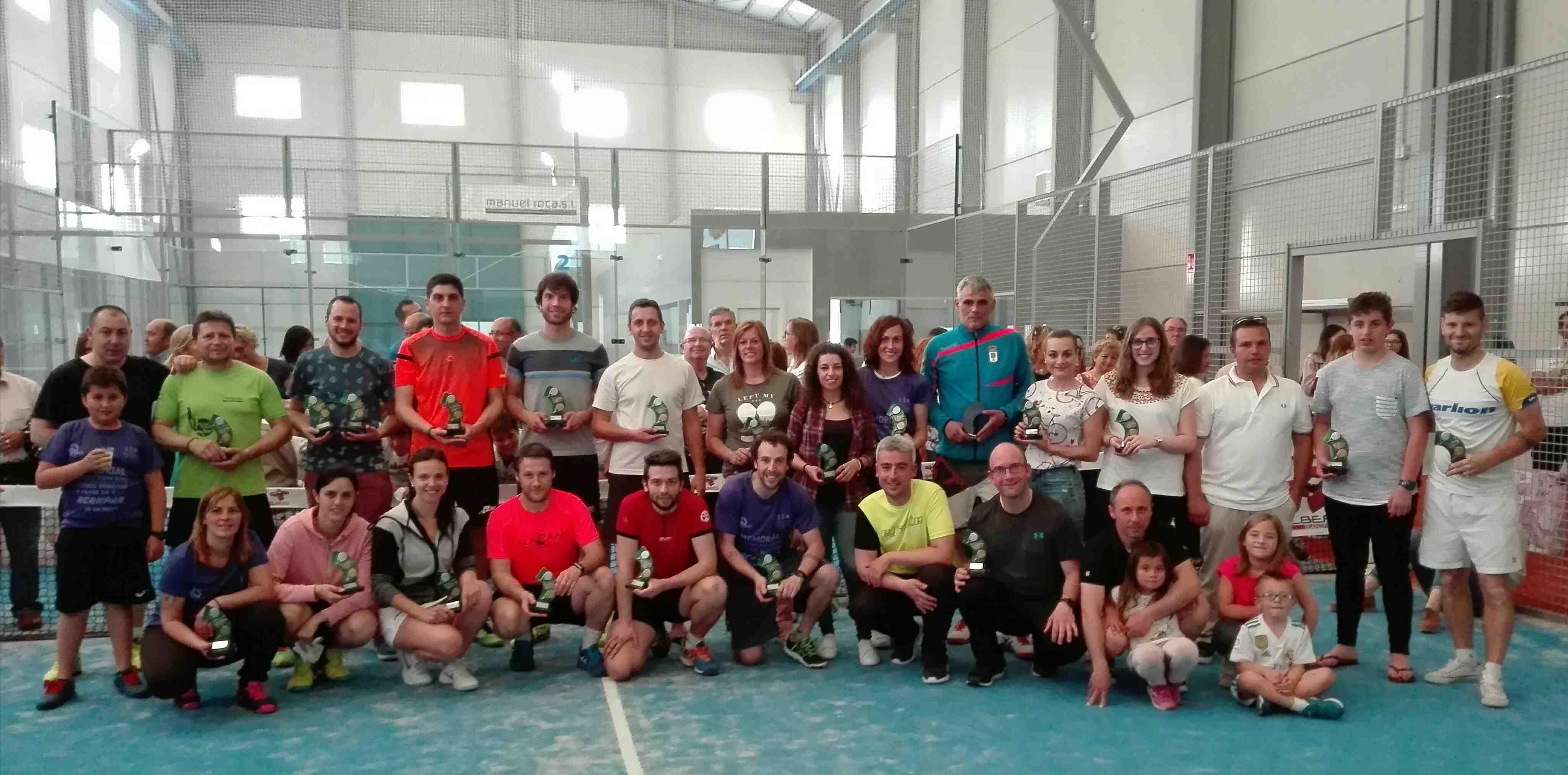 Éxito de participación en el I Memorial Francisco Rozas de Pádel, disputado en Onil, con 60 parejas