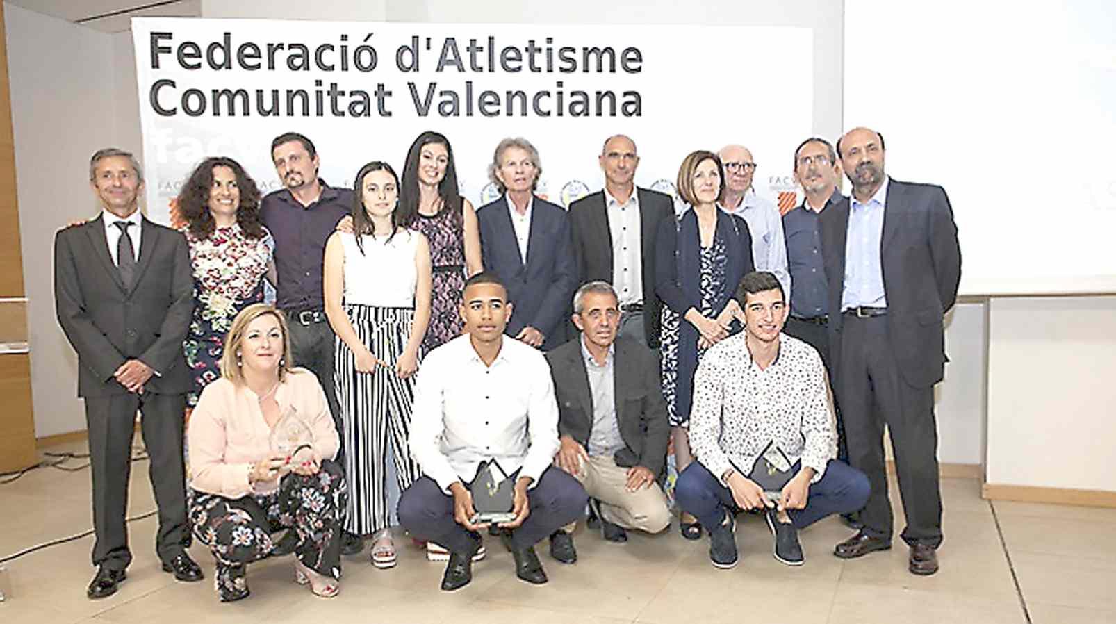 La Federación Valenciana de Atletismo premia a los colivencs José Antonio y Jorge Ureña y a Jesús Gil