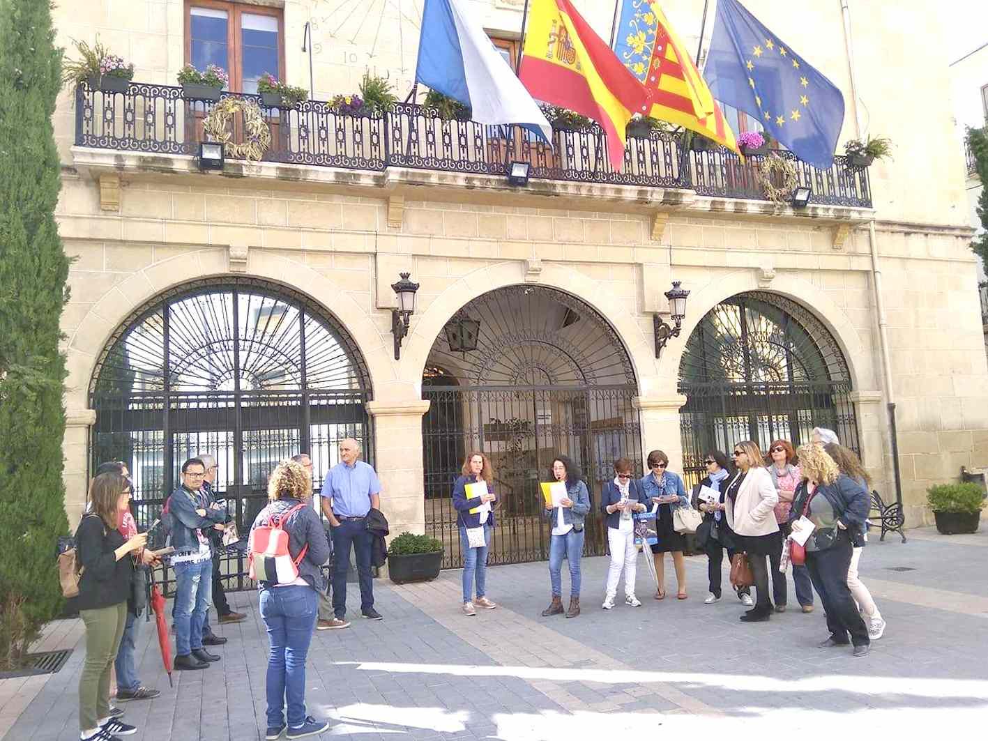 Castalla afig a la seua oferta turística les rutes guiades gratuïtes per l'univers d'Enric Valor