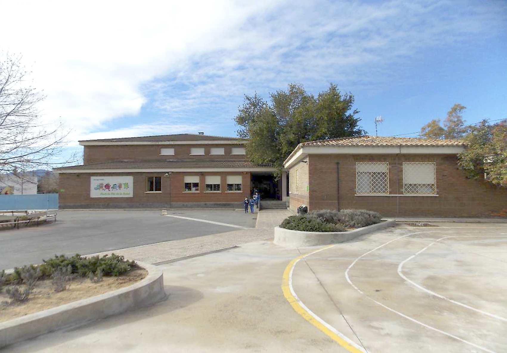 El Ayuntamiento de Onil asume la contratación de las obras de reforma en tres centros educativos