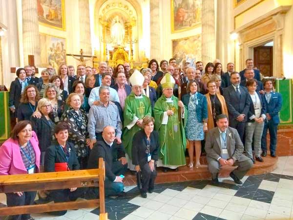 La trobada provincial de germanors i confraries reuneix a Ibi a més de 130 persones