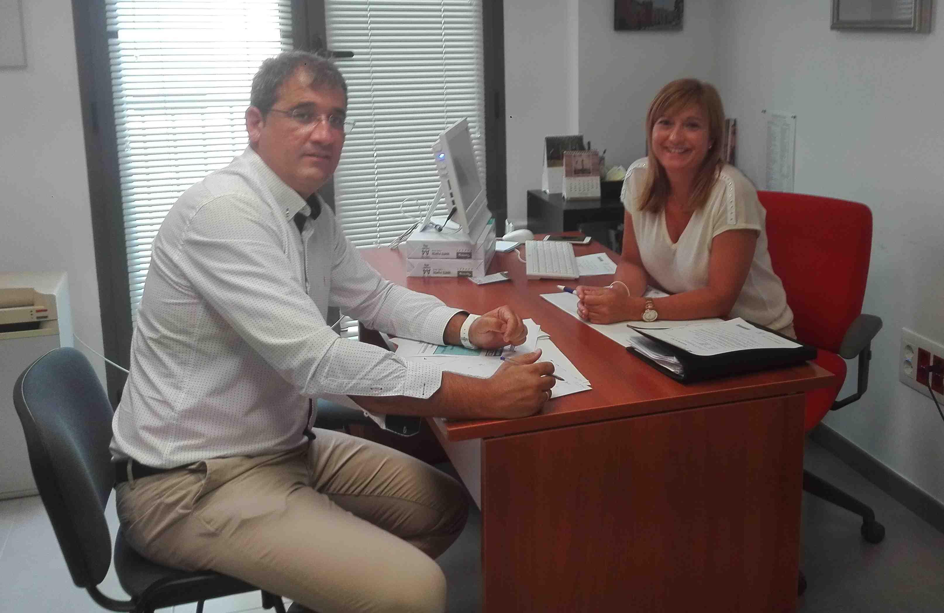 L'Ajuntament d'Onil i IBIAE convoquen als empresaris a un esmorzar informatiu