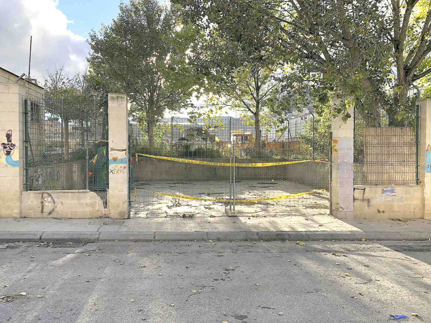 Castalla precinta l'Ecoparc per evitar més dipòsits incontrolats de residus industrials