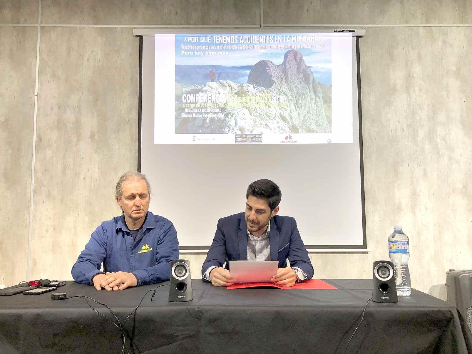 Xarrada sobre muntanyisme en el Museu de la Biodiversitat d'Ibi a càrrec de José Ignacio Amat
