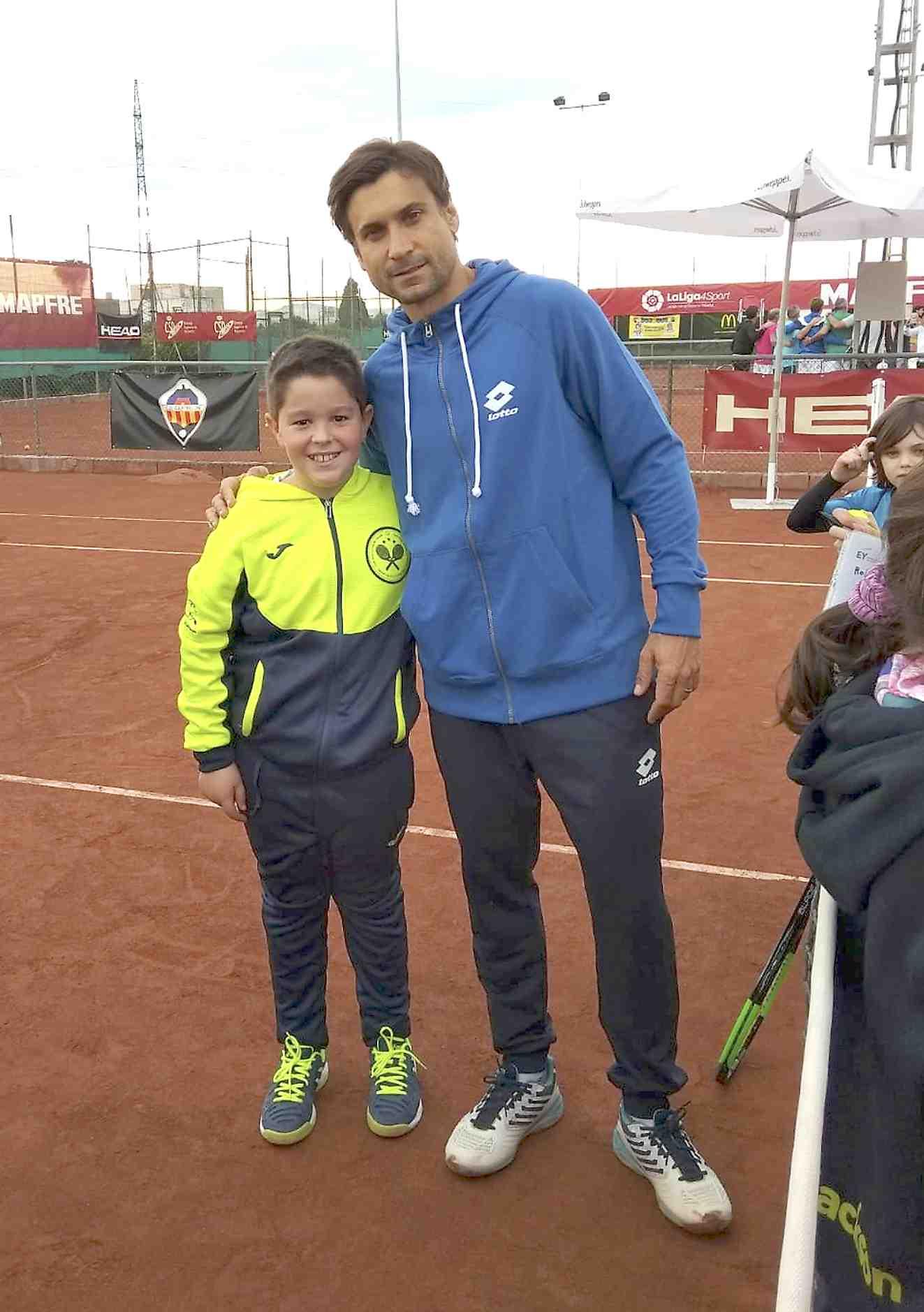 El joven castallense Trino Durá roza la final del Máster Nacional del circuito amateur de tenis