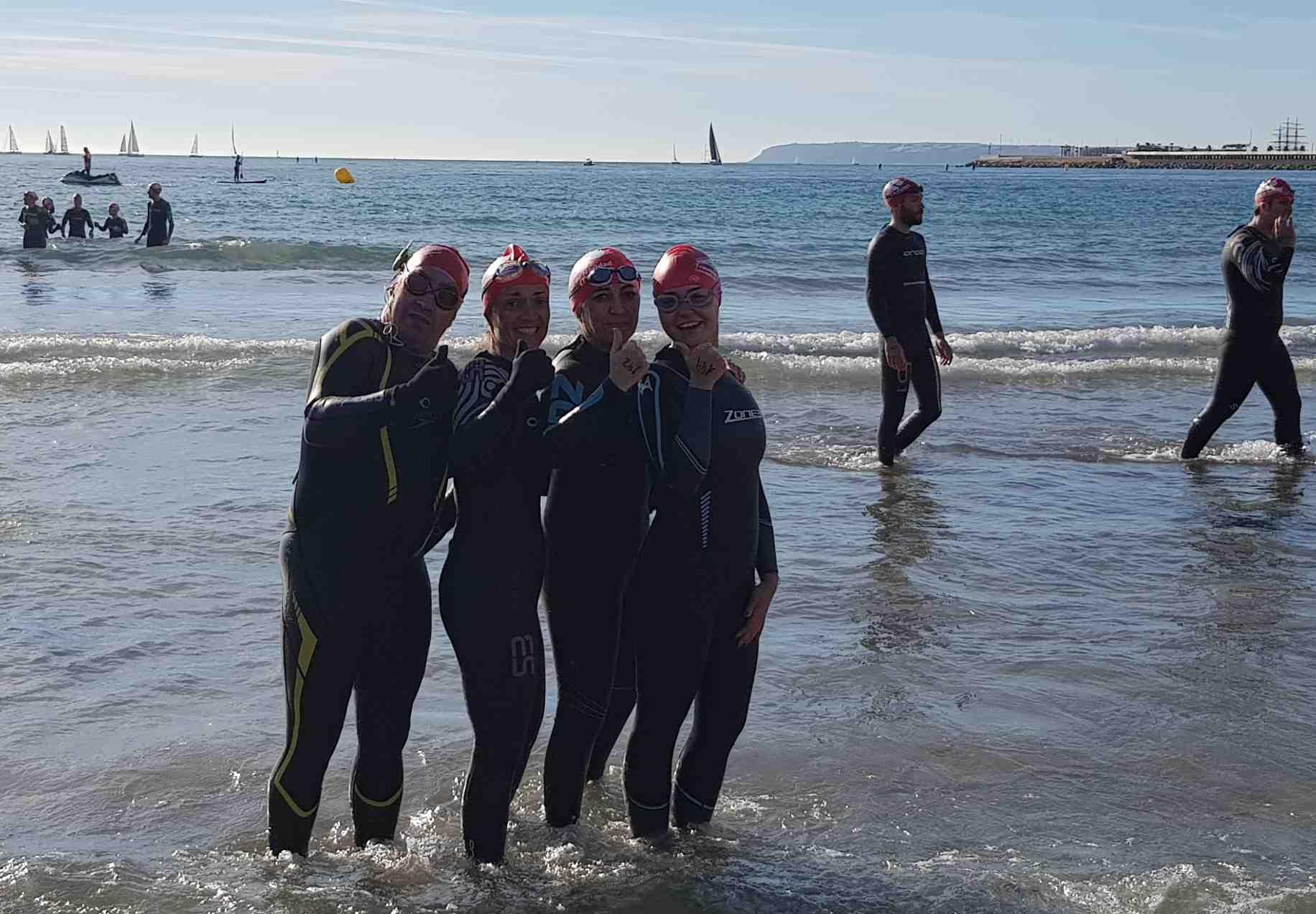 Participació de nadadors iberuts a la XXVI Travessia de Nadal d'Alacant
