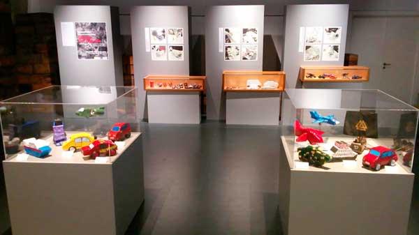 Exposició de treballs dels alumnes de l'IES Barrachina al Museu del Joguet d'Ibi