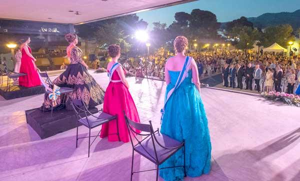 L'Ajuntament i la Comissió busquen Reina i dames per a les festes de Tibi d'enguany