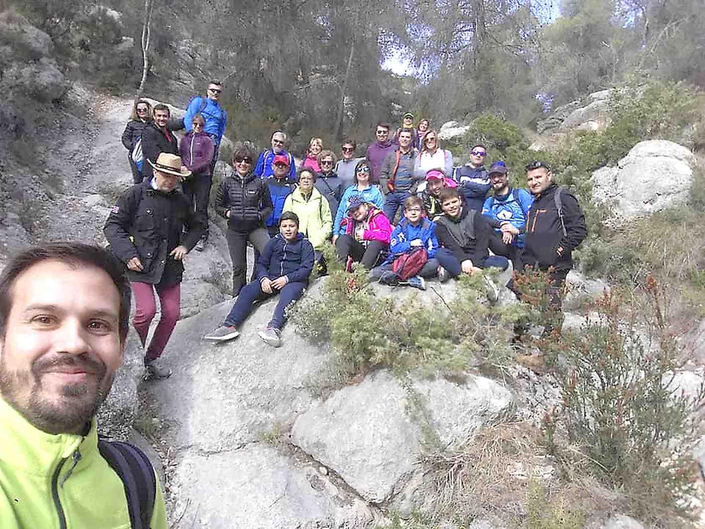 L'Ajuntament d'Onil i Som Medi celebren la primera Ruta de Senderisme Interpretatiu