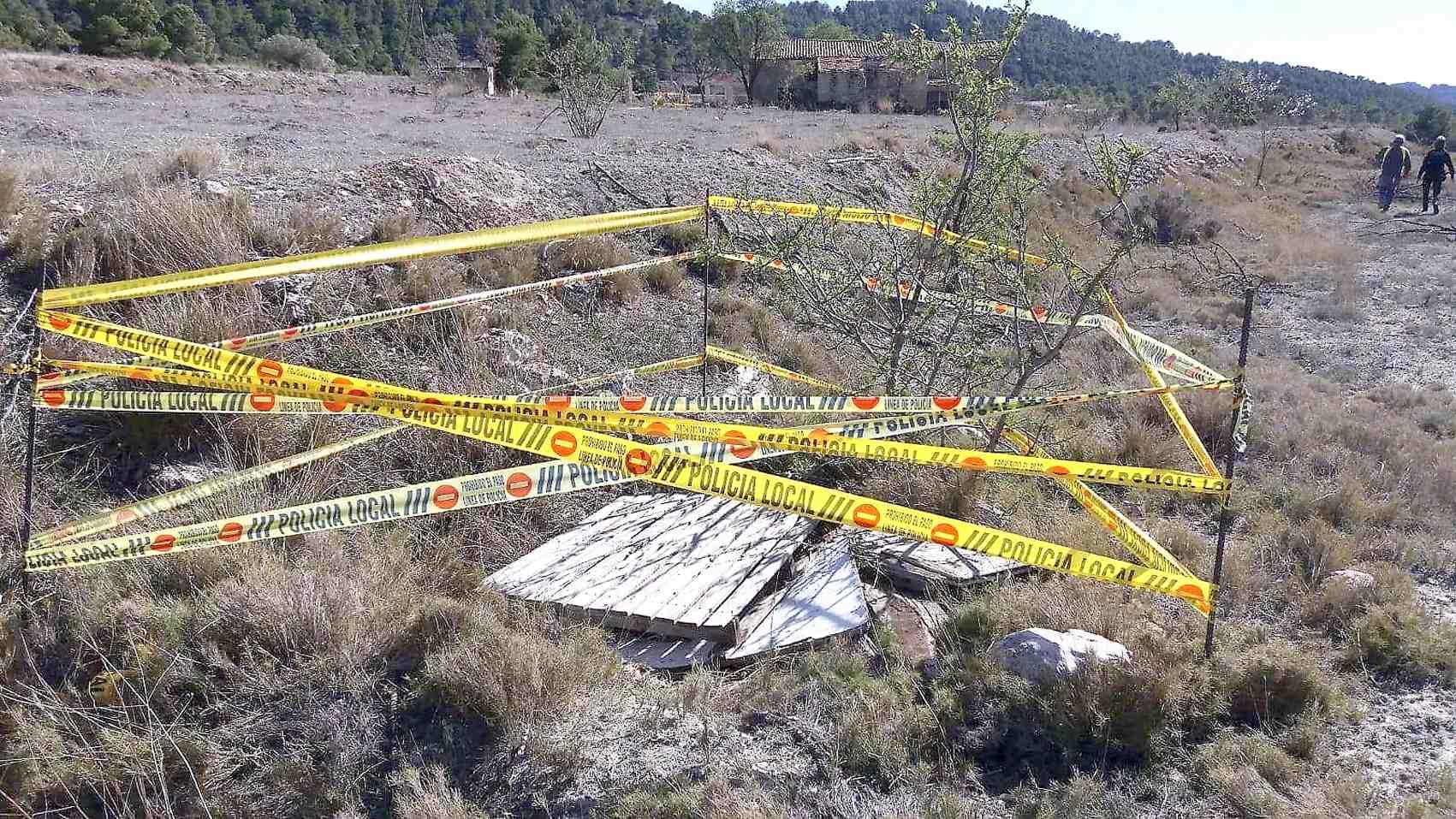 La Policía Local de Castalla señaliza otro pozo en Xorret de Catí