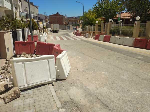Obras de renovación de infraestructuras hidráulicas y pavimento en varias zonas de Ibi