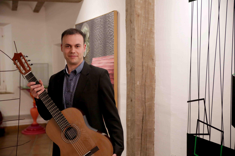 El guitarrista clàssic castellut Jonathan Esteve fa el seu debut en Londres el 12 de juny