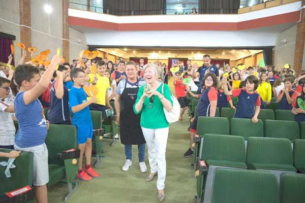 El col.legi Salesià es bolca en la despedida de dos treballadores