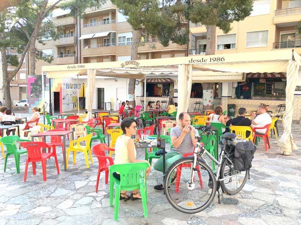 La licitación para abrir el bar de la Glorieta de España queda desierta