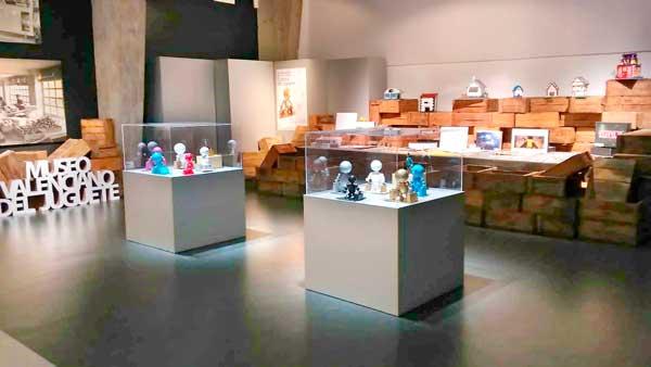 Los juegos de mesa, tema de la segunda exposición 'Cultura del juguete' del IES Barrachina