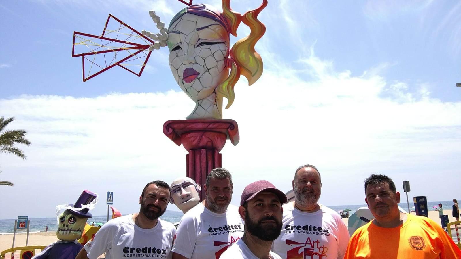 El col.lectiu colivenc Art de Foc planta fogueres en Alacant i Benidorm