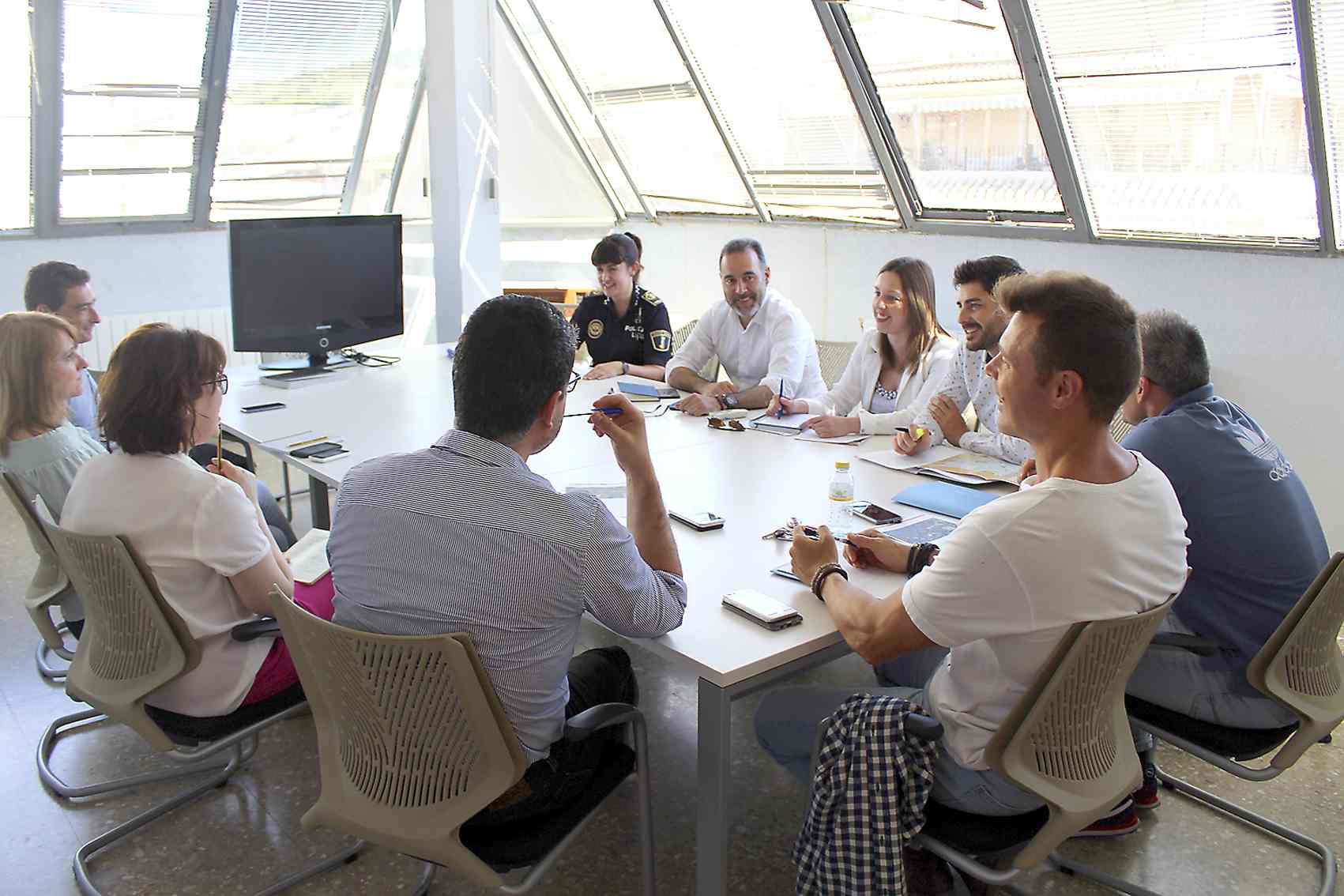 Primera reunión para organizar la salida desde Ibi de la tercera etapa de la Vuelta Ciclista a España 2019
