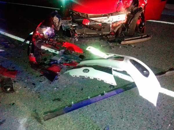 Tres ferits greus en un xoc frontal entre dos vehicles entre Ibi i Tibi
