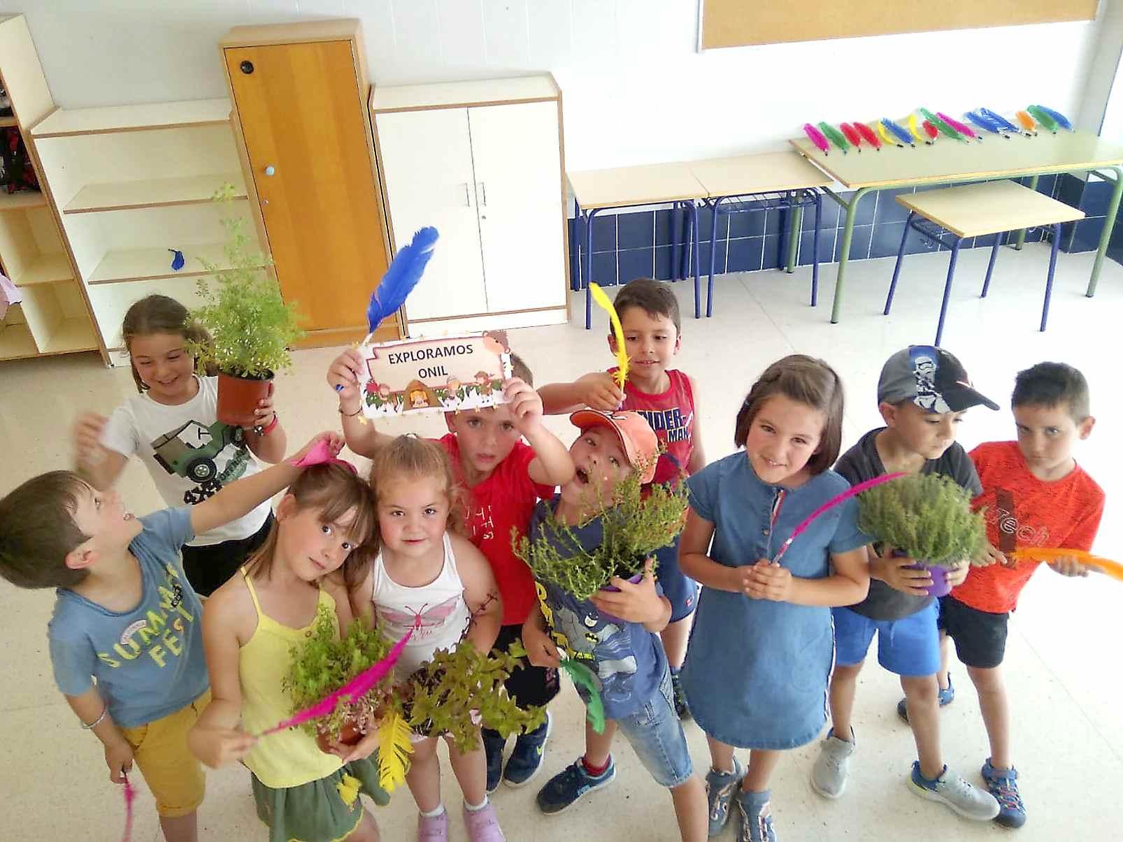 Uns 180 xiquets i xiquetes participen en l'Escola d'Estiu d'Onil