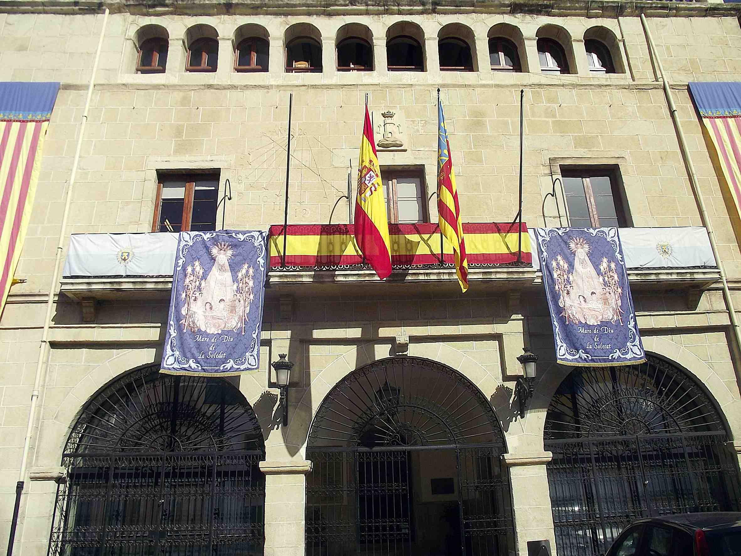Castalla aprova les retribucions i dedicacions parcials per a la nova Corporació municipal