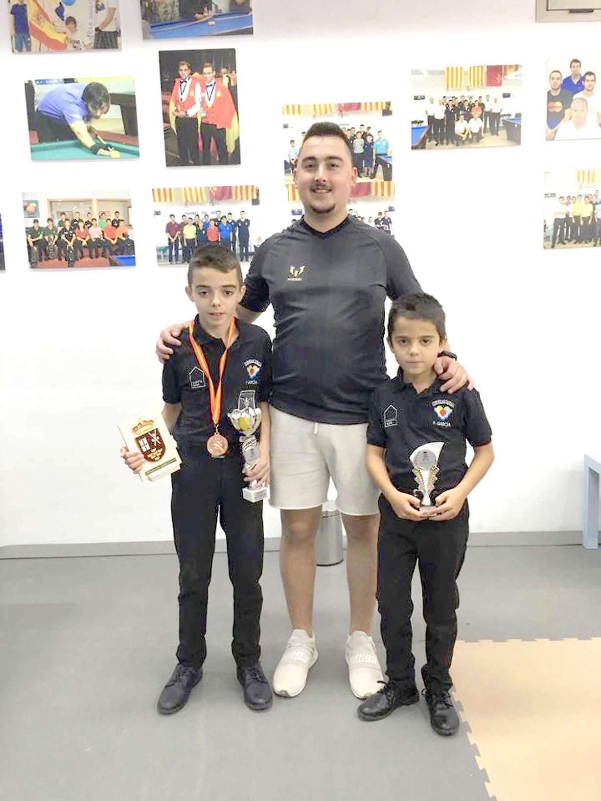 Toni García, del Club de Billar Castalla, subcampeón de España en la modalidad de libre