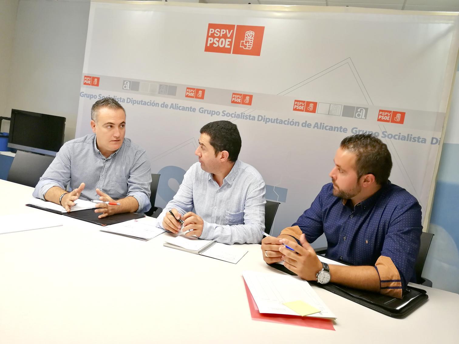 Regidors socialistes d'Ibi es reunixen amb el portaveu del PSOE en la Diputació d'Alacant