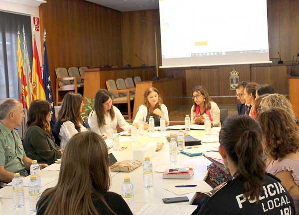 Les institucions públiques d'Ibi es coordinen per donar una resposta integral a la violència de gènere