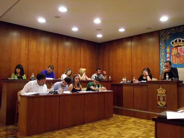 El PP saca a licitación la contrata de la limpieza de edificios públicos