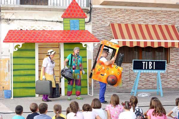Teatre, degustació de postres i globotà a Tibi pel 9 d'Octubre