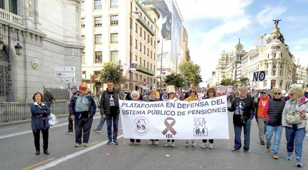 La plataforma de Ibi acude a Madrid para defender las pensiones
