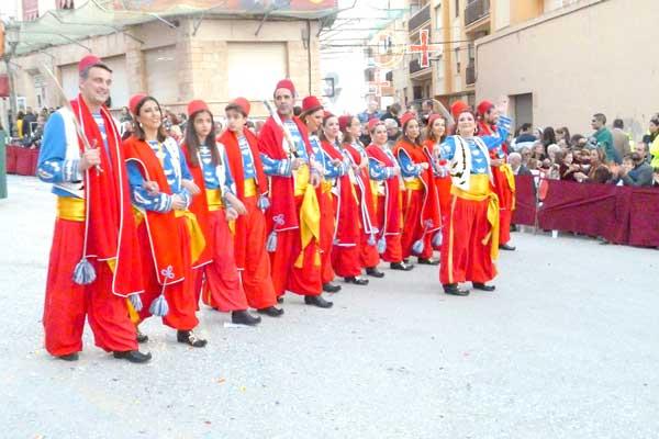 Els festers d'Onil decidix el canvi de les dates de les Festes en una consulta