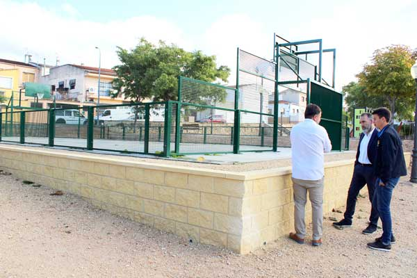 L'Ajuntament d'Ibi crea una pista multiesport al parc de Campos